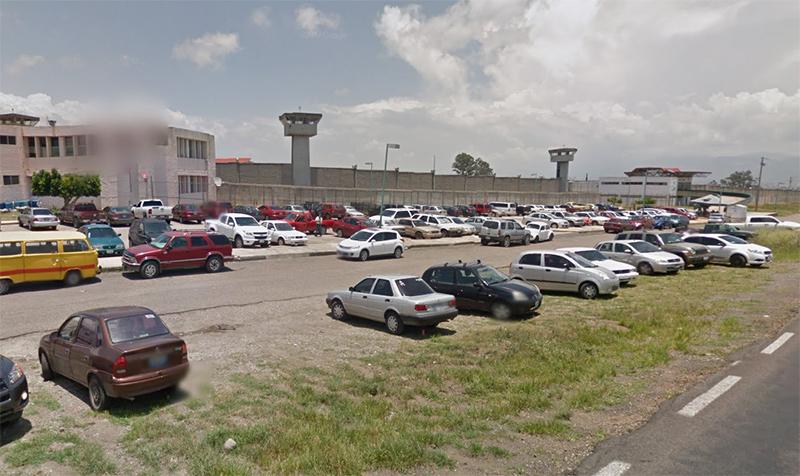 Riña al interior del penal de Ciudad Guzmán; tres muertos