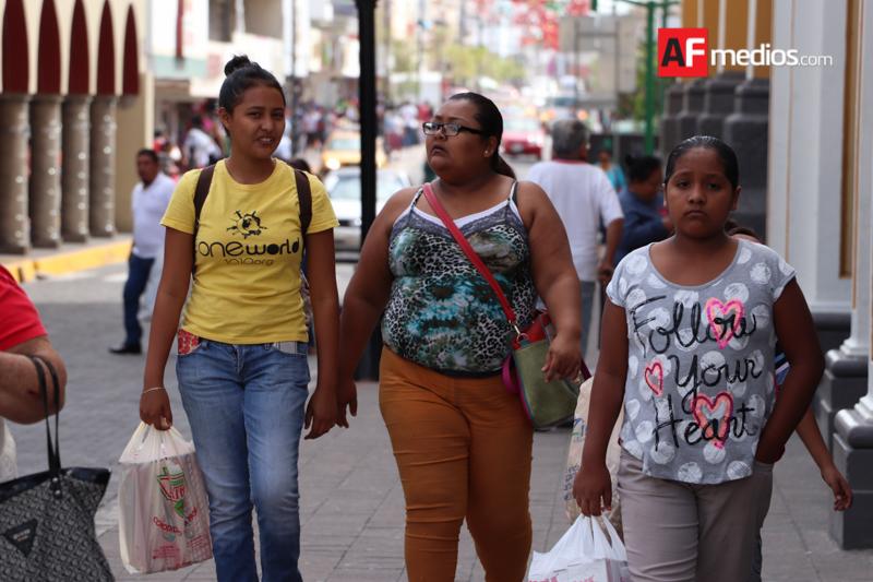 Mexicanos cierran 2017 con menos confianza en economía