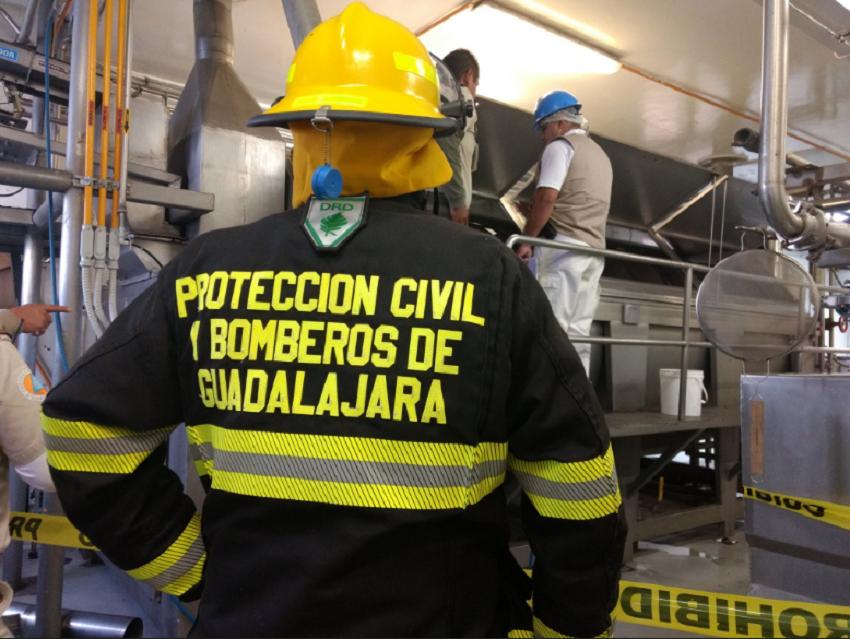 Persona cae a máquina procesadora de alimentos en Guadalajara
