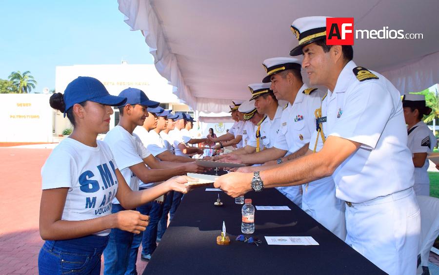 Reciben soldados del Servicio Militar de Tampico cartilla liberada