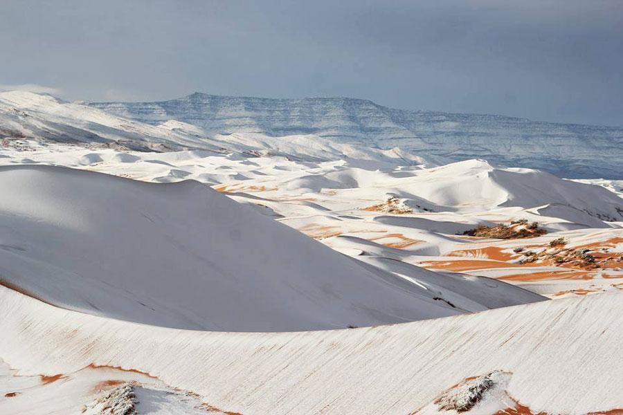 ¿La tierra está cambiando?: cayó nieve en el desierto del Sahara