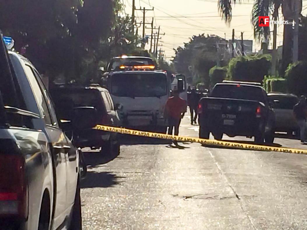 Localizan cuerpos dentro de una camioneta en colonia Morelos