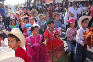 Ayuntamiento capitalino espera a más de 300 niños en la Cabalgata Infantil y Juvenil 2014
