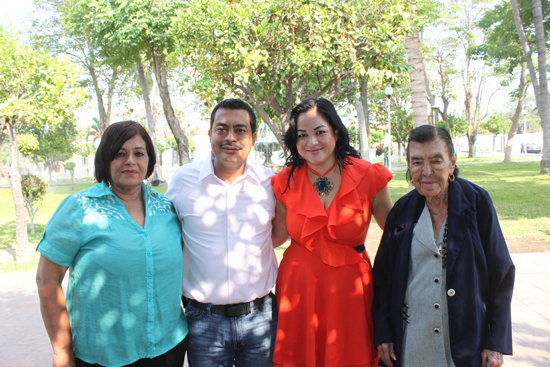 Kike Rojas anuncia construcción de dos puentes en 'La Villa'