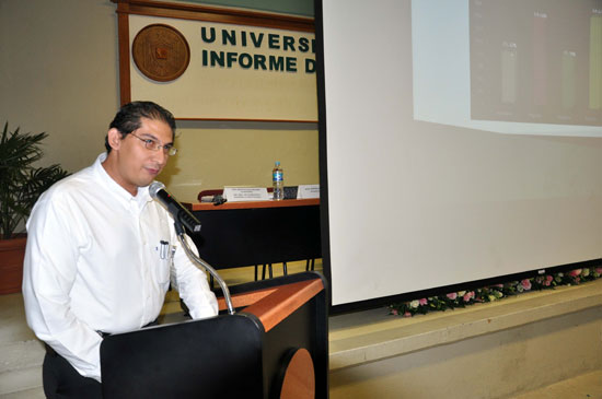Aumentan becarios en la Facultad de Lenguas