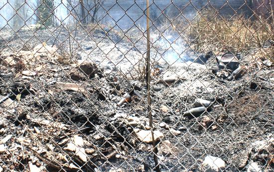 Incendio en baldío puso en riesgo viviendas vecinas