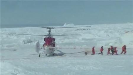 Rescatados todos los pasajeros del barco atrapado en la Antártida