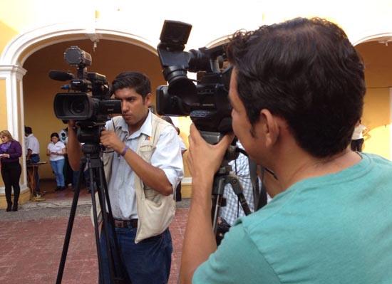 Ayuntamiento de Colima celebra la 'Libertad de Expresión' en ceremonia mensual