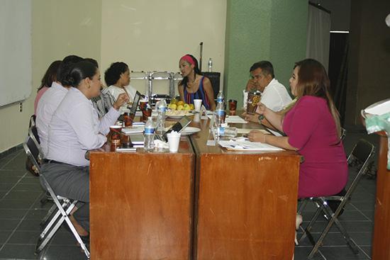 Icm celebra foro para analizar la situaci n laboral de for Contrato laboral para empleadas domesticas