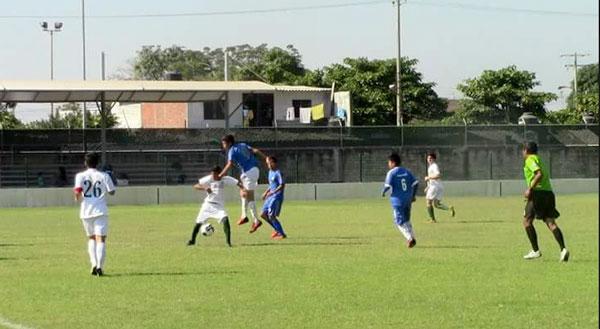Citrojugo y Deportivo Quesería se juegan el liderato en la Primera Amateur