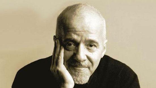 """La cancelación de """"The Interview"""" representa una amenaza a los artistas: Paulo Coelho"""