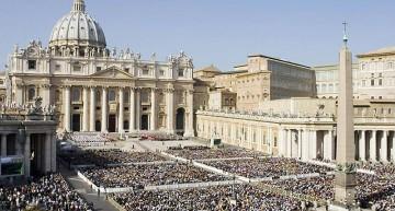 Vaticano juzgará a cinco personas, incluyendo a periodistas, por escándalo de filtraciones