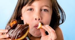 Las personas deben reducir la ingesta de azúcar para combatir la obesidad: OMS