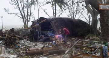 Un ciclón devasta la isla de Vanuatu y causa al menos ocho muertos