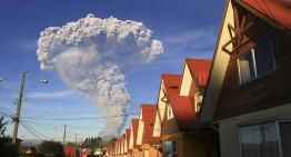 Chile reduce alerta por volcán Calbuco de roja a naranja