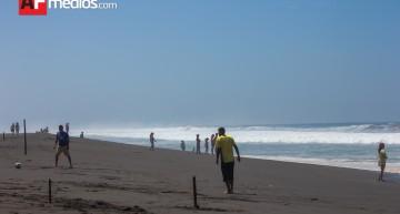 PC mantiene operativo de búsqueda de menor  aguas marinas de Cuyutlán