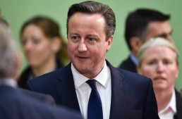 Primer ministro británico reconoce error en revelación