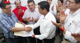 INE confirma triunfo de Enrique Rojas y le entrega constancia de mayoría