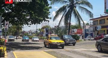 """""""280 mil vehículos circulan diario en la capital del estado"""": dirección de transito"""