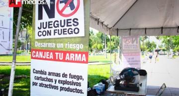 Sedena recibe y destruye más de 75 mil armas de fuego canjeadas en todo el país