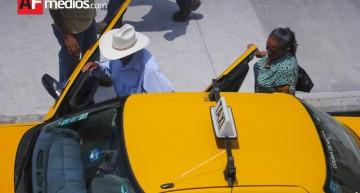 PRD propone que taxistas tengan IMSS e Infonavit