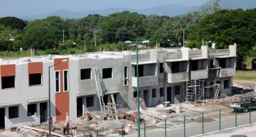 Constructores pretenden vender en Colima 3 mil 700 viviendas este año