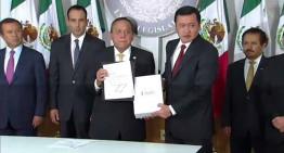 Miguel Ángel Osorio entrega al Congreso de la Unión el Tercer Informe de Gobierno