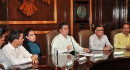 Rector de U de Colima otorga catorce nuevos nombramientos