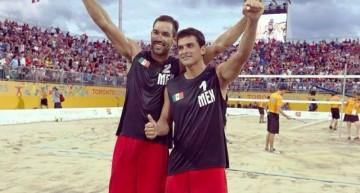 El colimense Ricardo Galindo juega el XVI Puerto Vallarta Open de Voleibol  Playa