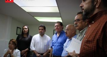 """""""PAN es como el PRI pero aumentado""""; PRD critica que líderes panistas 'despachen' en Congreso"""