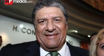 Nabor Ochoa pedirá licencia para dejar diputación