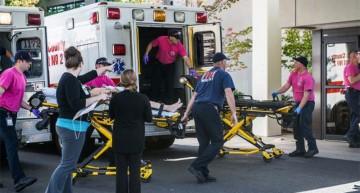 Al menos 10 muertos y 20 heridos en tiroteo en universidad de Oregon en EU