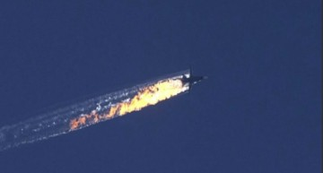 Turquía derriba un caza ruso cerca de la frontera con Siria