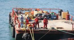 Buque Llanitos se compromete a terminar trasvase de combustible en cuatro semanas