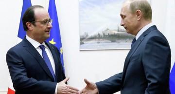 Hollande pide en Moscú formar una gran coalición contra militantes del Estado Islámico
