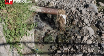 Vecinos de La Rivera denuncian vertedero de aguas negras al arroyo Pereyra