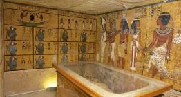 Buscan cámaras secretas en tumba de Tutankamón
