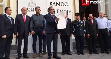 Congreso emite Bando Solemne de gobernador electo; Ejecutivo saliente lo lee en Palacio