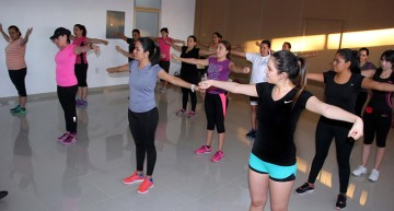 Realiza personal del CEDEFU sesión de activación física