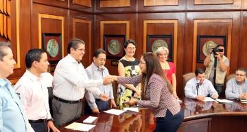 Evaluación, fundamental para fortalecer a la Universidad de Colima: Rector