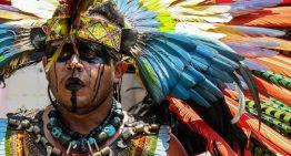 Ceremonias prehispánicas para orar en busca de la armonía en playa El Paraíso