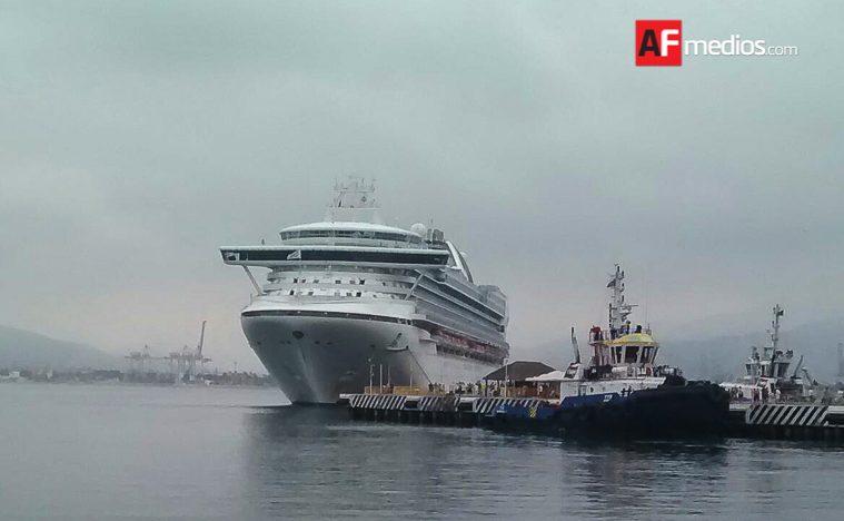 Crucero Grand Princess llega a Manzanillo