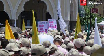 Marcha obrera reune a miles de trabajadores colimenses