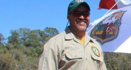 Mexicano viaja a Canadá para apoyar en combate de incendios