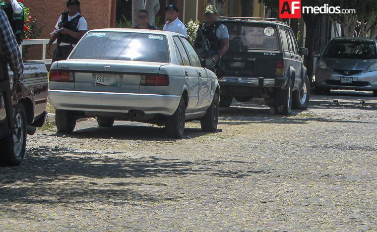 Autoridades localizan vehículo con reporte de robo