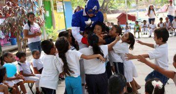 Alumnas de la U de Colima enseñan valores como convivencia y respeto, en preescolar