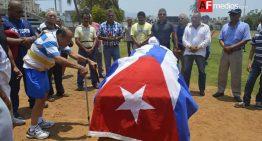 Dan el último adiós a ídolo del beisbol de Manzanillo