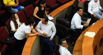 PRI le hace segunda a independientes; piden suspender partida de 68 mil pesos