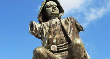 Escultura del Vigía, presa de vándalos y de la rapiña