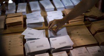 España vota de nuevo para romper su estancamiento político